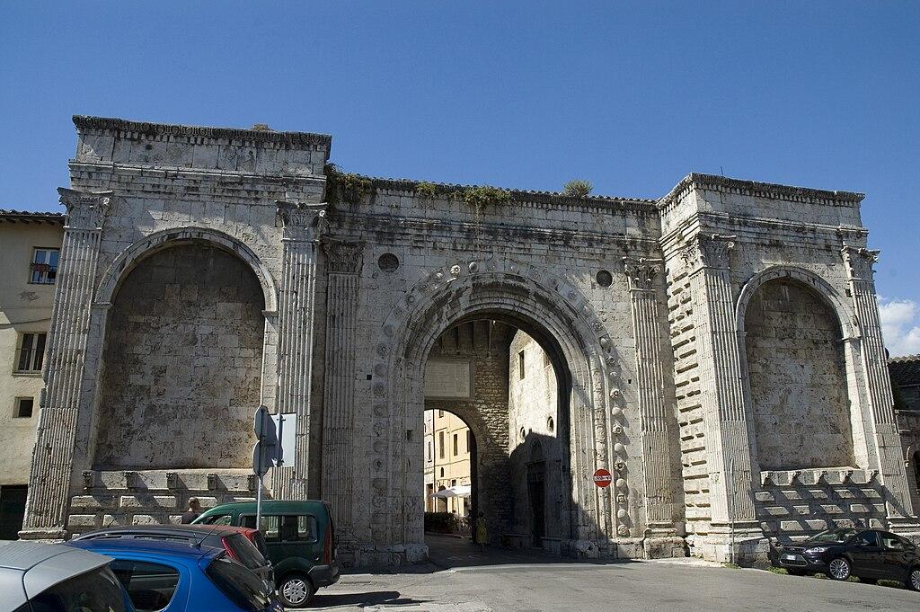 Arco de San Pedro. Foto de Francesco Gasparetti