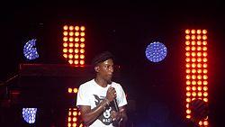 Fil: Pharrell Williams - taler på scenen - sommer sonic2015.ogv