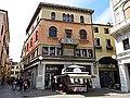 Piazzetta Cappellato Pedrocchi - panoramio.jpg