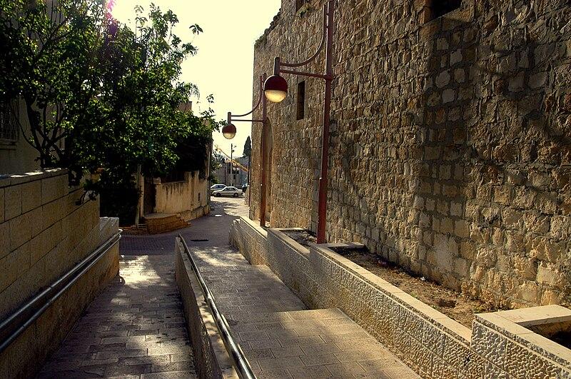 הדרך המשופצת המובילה לשכונת אלעמרי