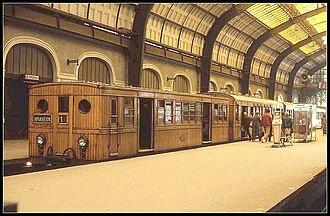 Athens–Piraeus Electric Railways - Image: Piraeus Athens Electric Railway terminal