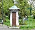 Pittencrieff Park old telephone box, Dunfermline, Fife.jpg