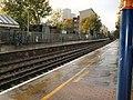 Platform at Kew Bridge Station - geograph.org.uk - 2139794.jpg