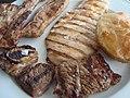 Plato de carnes a la parrilla.jpg