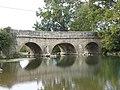 Pont blanc sur la Grosne à Lalheue (Saône-et-Loire).jpg