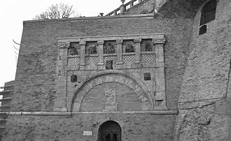 Etruscan architecture - The 2nd-century Porta Marzia at Perugia, its upper part built into a later wall