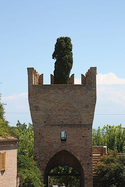 File porta marina vista da dentro le mura civitanova alta for Dentro le mura