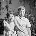 Portret van twee kinderen in Israël, Bestanddeelnr 252-1899.jpg