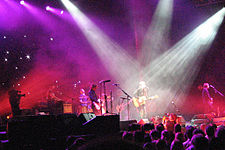 Powderfinger performing live September 2007.jpg