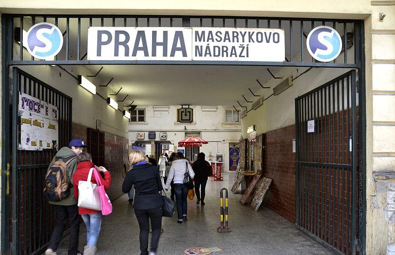 File:Praha Masarykovo nádraží, 2012.jpg