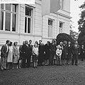 Prinses Beatrix en Claus bezoeken Hitzacker, prinses Beatrix en Claus met famili, Bestanddeelnr 918-2550.jpg