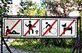 Prohibition sign - Gemeindebau Unter-Meidlinger Straße 16-22.jpg