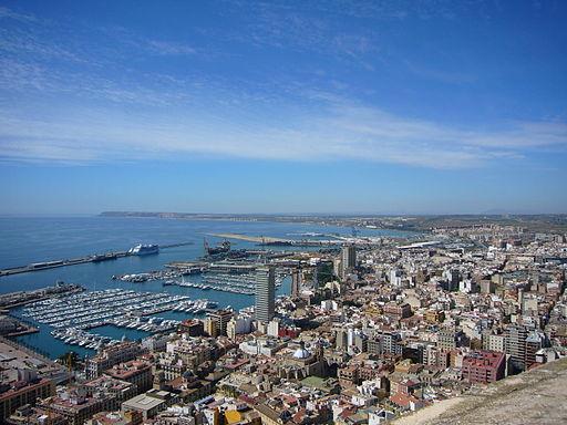 Puerto de Alicante desde el Castillo de Santa Barbara