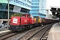 Railion 6408 en 6429 met afvaltrein, Station Arnhem; 21-10-2006.jpg