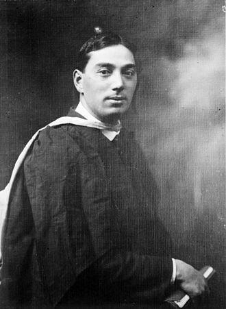 Te Rangi Hīroa - Te Rangi Hīroa in academic dress, circa 1904