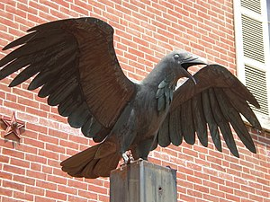 Edgar Allan Poe National Historic Site - Image: Raven Statue Philadelphia