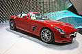 Red Mercedes R197 fr op IAA 2011.jpg