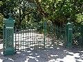 Rippon Lea front gates.JPG