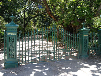 Rippon Lea Estate - The front gates of the Rippon Lea estate