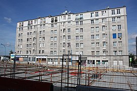 Road work above Highway A6B in Le Kremlin-Bicetre 2011 01.jpg