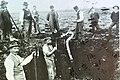 Robenhauser Riet - Jakob Messikommer - Ausgrabungarbeiten im Robenhauserriet (um 1900) 2011-09-02 15-07-42.jpg