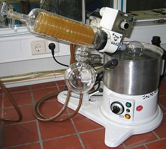 Molecular gastronomy - Rotary evaporator used in the preparation of distillates and extracts