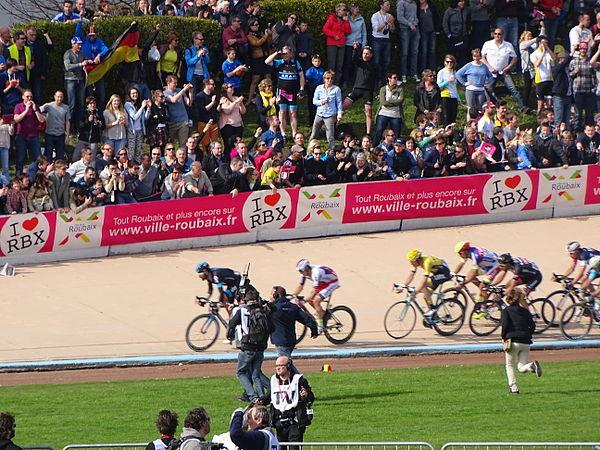 Roubaix - Paris-Roubaix, 12 avril 2015, arrivée (A09).JPG