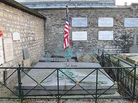 The grave of Lafayette in the Picpus Cemetery, Paris Sepulture la Fayette.jpg