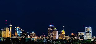 """From top to bottom, left to right: Downtown San Antonio, <a href=""""http://search.lycos.com/web/?_z=0&amp;q=%22The%20Alamo%22"""">The Alamo</a>, the <a href=""""http://search.lycos.com/web/?_z=0&amp;q=%22San%20Antonio%20River%20Walk%22"""">Riverwalk</a>, <a href=""""http://search.lycos.com/web/?_z=0&amp;q=%22Pearl%20Brewing%20Company%22"""">The Pearl</a>, <a href=""""http://search.lycos.com/web/?_z=0&amp;q=%22La%20Antorcha%20de%20la%20Amistad%22"""">Torch of Friendship</a>, <a href=""""http://search.lycos.com/web/?_z=0&amp;q=%22SeaWorld%20San%20Antonio%22"""">SeaWorld San Antonio</a>."""