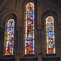 Vitrais retratando a devoção de São Luís na Basílica de Sacré Cœur de Montmartre