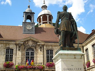 Salins-les-Bains - Image: Salins les bains statue