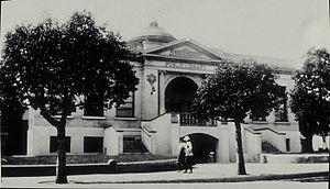 Santa Monica Public Library - The 1904 Carnegie library building located at 503 Santa Monica Boulevard (Demolished)