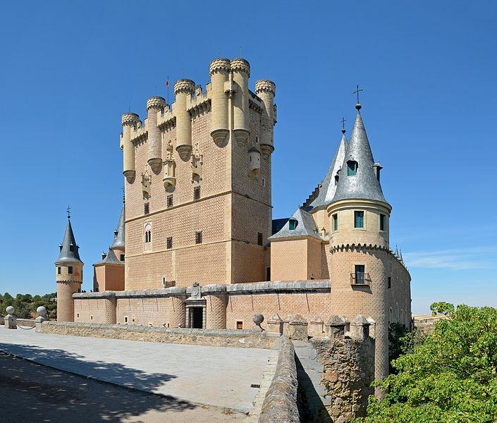 File:Segovia - Alcazar ext 02.jpg