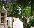 Sendling Friedhof Engel-Gräber.jpg