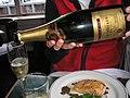 Service du champagne.jpg