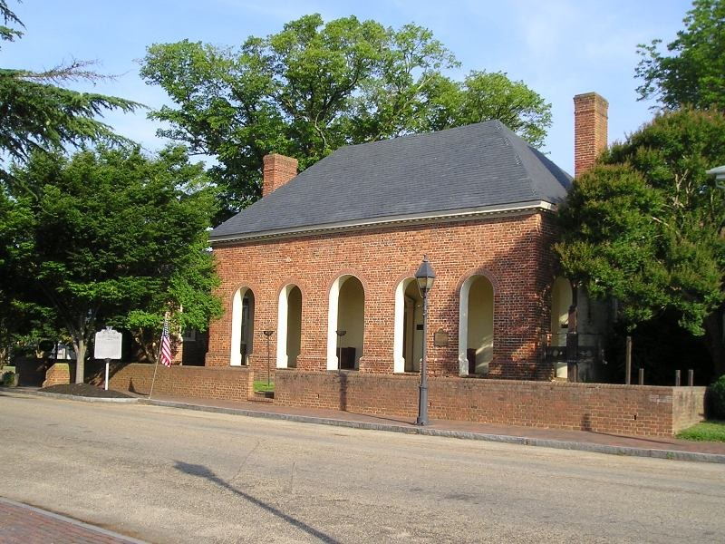 Smithfield colonial courthouse