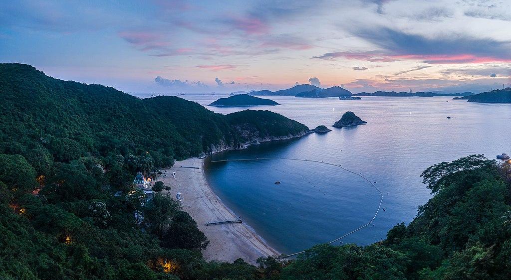 File:South Bay Beach, Hong Kong - Diliff.jpg - Wikimedia