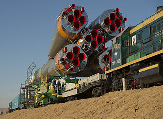 Launch pad - Transport of Soyuz rocket to pad by train