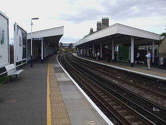 Staines railway station - The station platforms looking west, and showing the old footbridge.