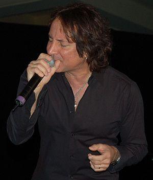 Steve Augeri - Augeri performing in November 2007