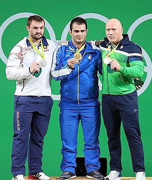 Weightlifting at the 2016 Summer Olympics – Men's 94 kg - Image: Straltsou, Moradi, Didžbalis Rio 2016