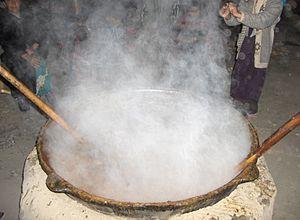 Samanu - Cooking samanak in Isfara, Tajikistan