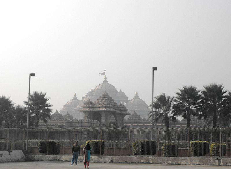 File:Swaminarayan Temple, New Delhi, January 2012 (15598238286).jpg