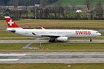 Swiss, HB-JHB, Airbus A330-343 (40139739061).jpg