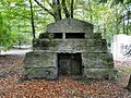 Szczecin Cmentarz Centralny nagrobek rodziny Weiss.jpg