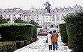 Tarde de lluvia en la Plaza de Oriente (22887714983).jpg