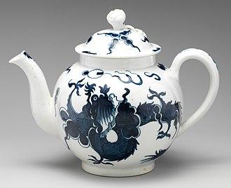 Lowestoft Porcelain Factory - Teapot, c. 1770