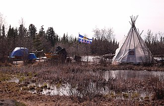Behchokǫ̀ - Rae Edzo - Behchokǫ̀, camp on the banks of Great Slave Lake