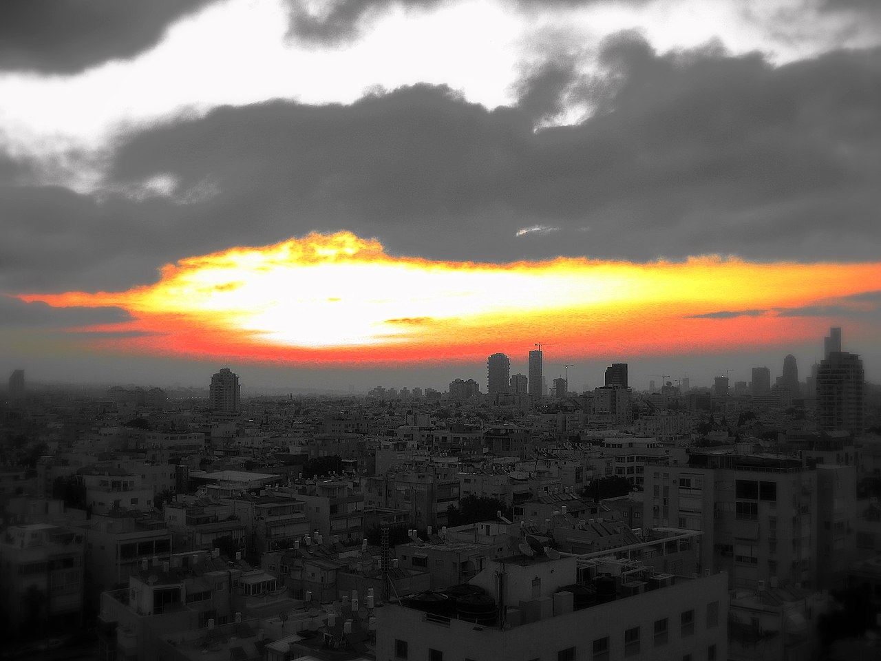 File:Tel Aviv Sunrise Color Accent (2083045754).jpg