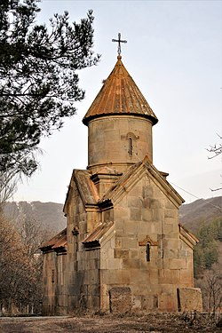The church of St. Harutyun, Tsaghkadzor 02.jpg